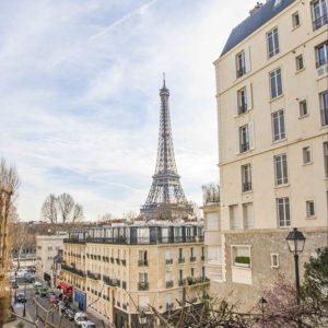 Париж – місто кохання